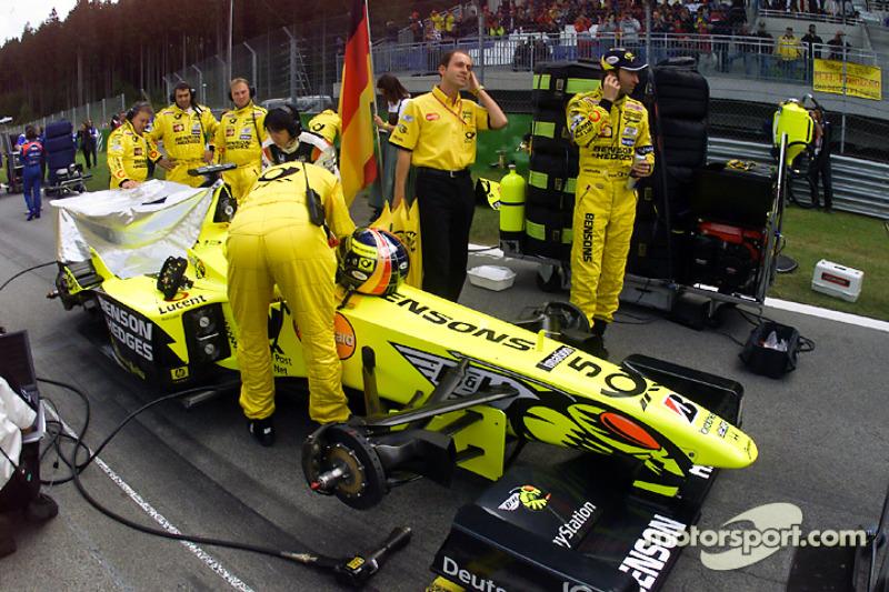 Хайнц-Харальд Френцен. ГП Австрии, Воскресенье, перед гонкой.