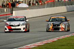 Battle for the lead between Type R Racing and Proton R3 Racing