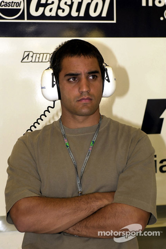 Juan Pablo Montoya in de Williams garage