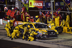 Matt Kenseth, Joe Gibbs Racing Toyota, makes a pit stop