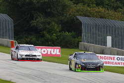 James Davison, Joe Gibbs Racing Toyota e Austin Cindric, Team Penske Ford