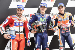 Обладатель поула Маверик Виньялес, Yamaha Factory Racing, второе место Андреа Довициозо, Ducati Team, третье место Марк Маркес, Repsol Honda Team