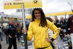 Grid girl van Robert Wickens, Mercedes-AMG Team HWA, Mercedes-AMG C63 DTM