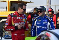 Kyle Busch, Joe Gibbs Racing Toyota, Ricky Stenhouse Jr., Roush Fenway Racing Ford