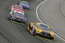Matt Kenseth, Joe Gibbs Racing Toyota, Austin Dillon, Richard Childress Racing Chevrolet
