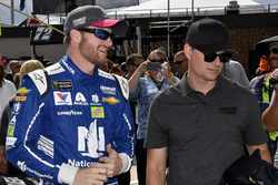 Dale Earnhardt Jr., Hendrick Motorsports Chevrolet and Jeff Gordon