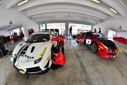 #70 Scuderia Corsa - Ferrari of Silicon Valley: Cooper Macneil, #7 Scuderia Corsa - Ferrari of Silicon Valley Ferrari 488 Challenge: Martin Fuentes