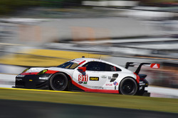 #911 Porsche Team North America Porsche 911 RSR: Патрік Пілет, Дірк Вернер, Нік Тенді