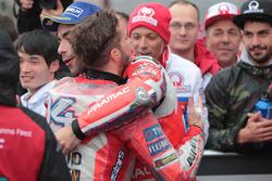 Победитель Андреа Довициозо, Ducati Team, третье место – Данило Петруччи, Pramac Racing
