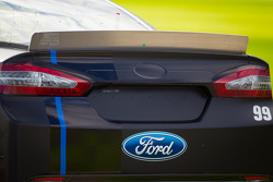 Carl Edwards, Roush Fenway Racing Ford, rear spoiler