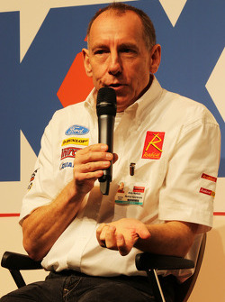Andy Wallace, op de Autosport Stage