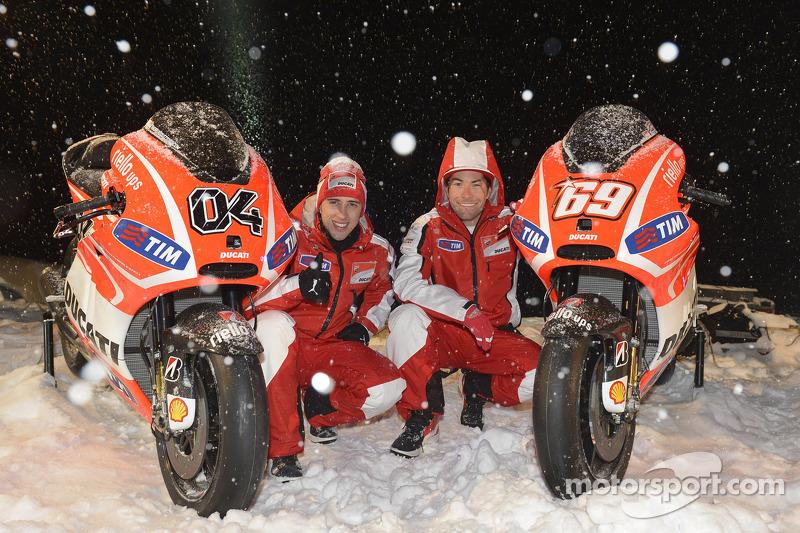 Andrea Dovizioso en Nicky Hayden, Ducati Marlboro Team onthullen de motoren