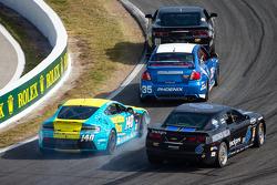 #140 Automatic Racing Aston Martin Vantage: Tim Fox, Kris Wilson en #6 Mitchum Motorsports Camaro GS.R: Lawrence Davey, Mike Skeen