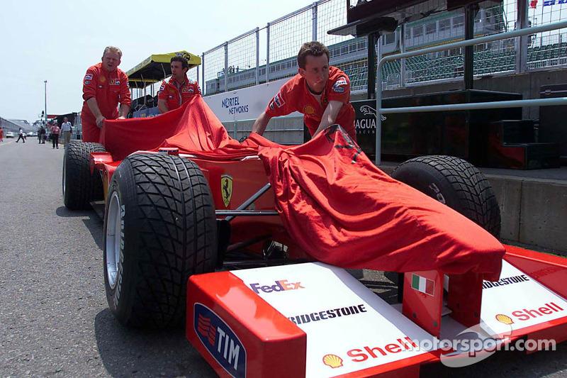 Ferrari crew unloading