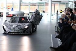 Jenson Button mit einem McLaren P1