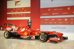 Stefano Domenicali with the Ferrari F138