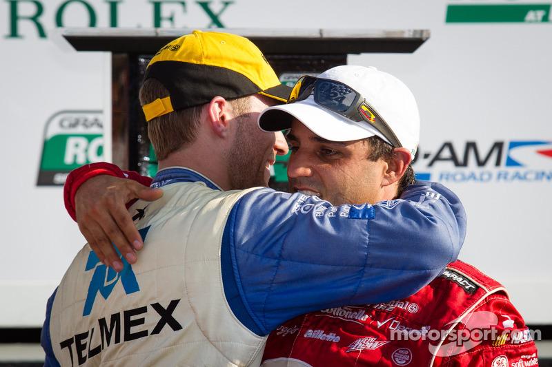 DP victory lane: overall-winnaars Juan Pablo Montoya en Memo Rojas vieren de zege