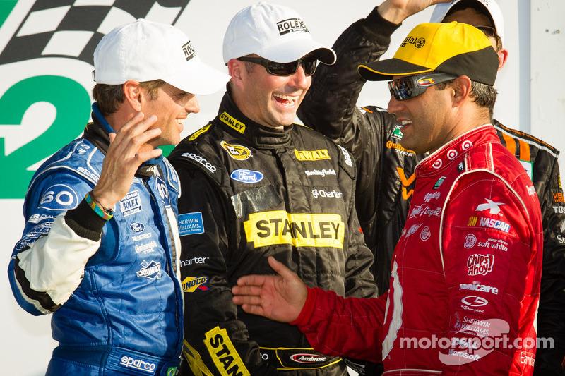 DP podium: Oswaldo Negri, Marcos Ambrose en Juan Pablo Montoya