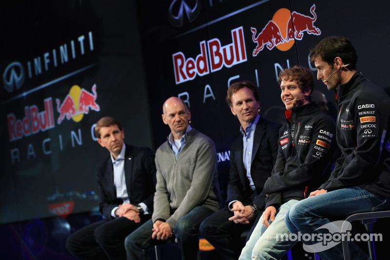 Christian Horner, Adrian Newey, Mark Webber en Sebastian Vettel
