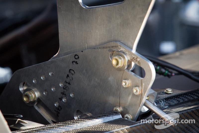 SRT Motorsports SRT Viper GTS-R rear wing detail