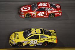 Matt Kenseth, Joe Gibbs Racing Toyota and Juan Pablo Montoya, Earnhardt Ganassi Racing Chevrolet
