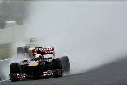 Jean-Eric Vergne, Scuderia Toro Rosso STR8 and Mark Webber, Red Bull Racing RB9