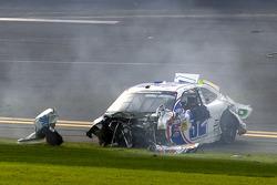 Last lap crash: Kyle Larson comes to a rest