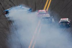 Kasey Kahne, Hendrick Motorsports Chevrolet spins while Juan Pablo Montoya, Earnhardt Ganassi Racing Chevrolet and Brad Keselowski, Penske Racing Ford crash