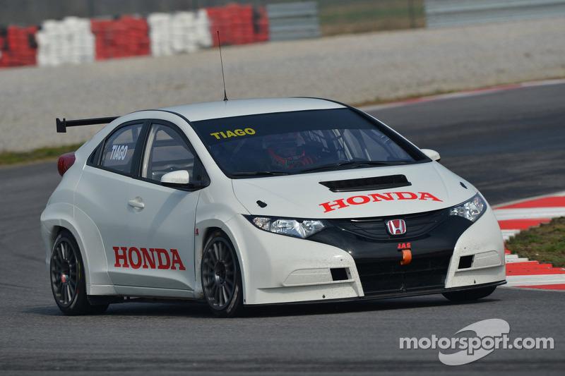 Тьягу Монтейру. Тесты Honda Civic, тесты.