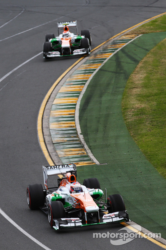 Paul di Resta, Sahara Force India VJM06 lidera parceiro Adrian Sutil, Sahara Force India VJM06