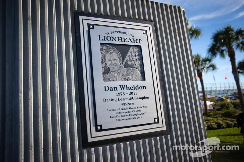 Dan Wheldon Memorial and Victory Circle unveiling ceremony: Dan Wheldon Memorial detail