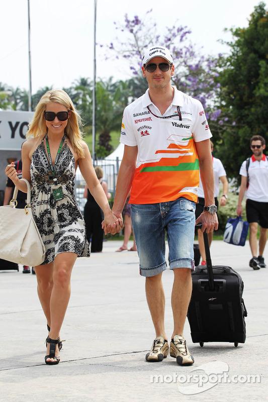 Adrian Sutil, Sahara Force India F1, com sua namorada