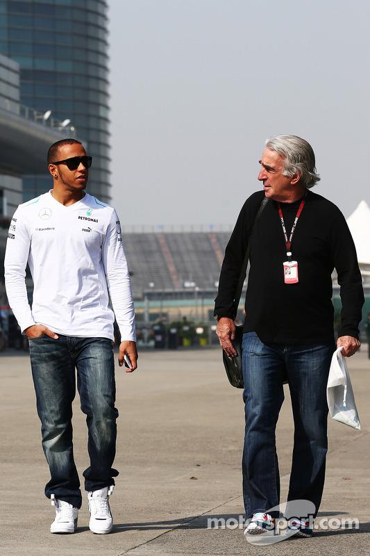 Lewis Hamilton, Mercedes AMG F1 com Tom Shine, empresário de pilotos