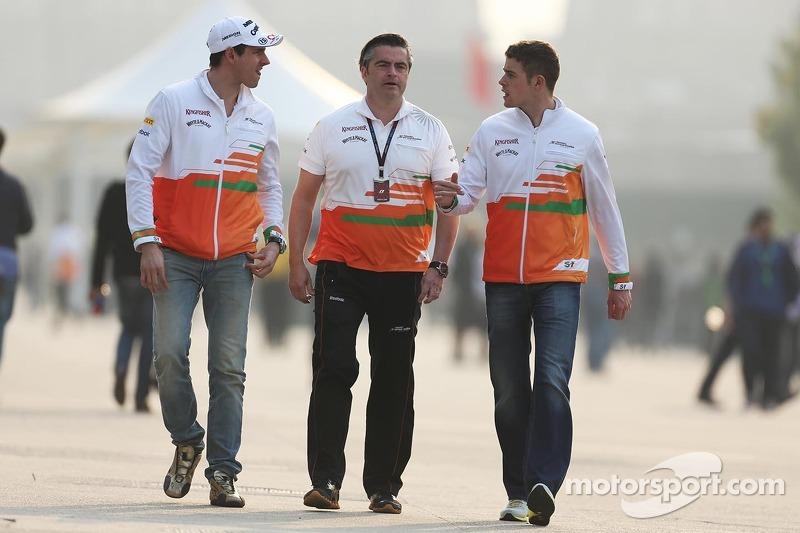Adrian Sutil, Sahara Force India F1 met Andy Stevenson, Sahara Force India F1 Team Manager en Paul di Resta, Sahara Force India F1