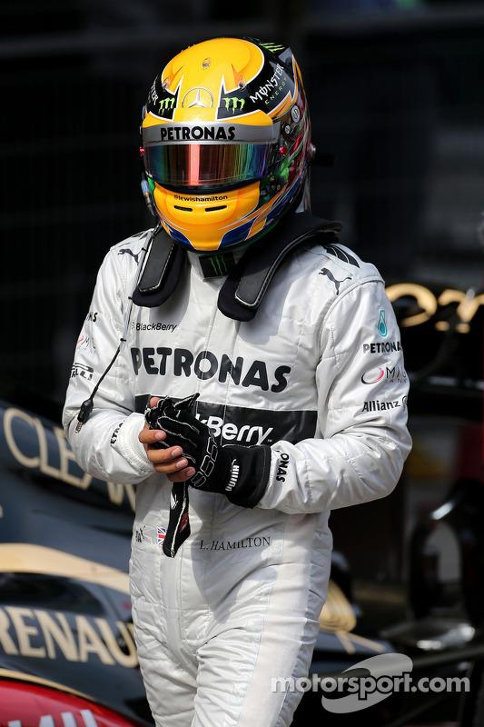 Lewis Hamilton, Mercedes Grand Prix Campeonato Mundial de Fórmula 1, Rd 3, Grande Prêmio da China, Xangai, China, Dia da Classificação. - www.xpbimages.com, EMail: requests@xpbimages.com - cópia da publicação exigida para fotos impressas. Cada imagem é us