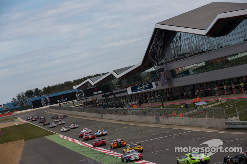 Race start for 6 Hours of Silverstone