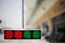 Sauber pit stop light system