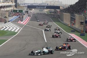 Nico Rosberg, Mercedes AMG F1 W04 on the formation lap