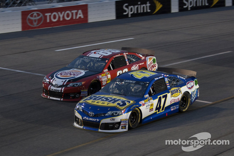 Bobby Labonte en David Reutimann