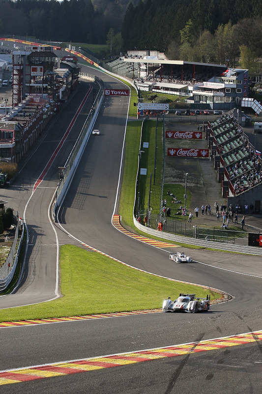 Reaching the last stage do corrida, a visão de « Eau Rouge »