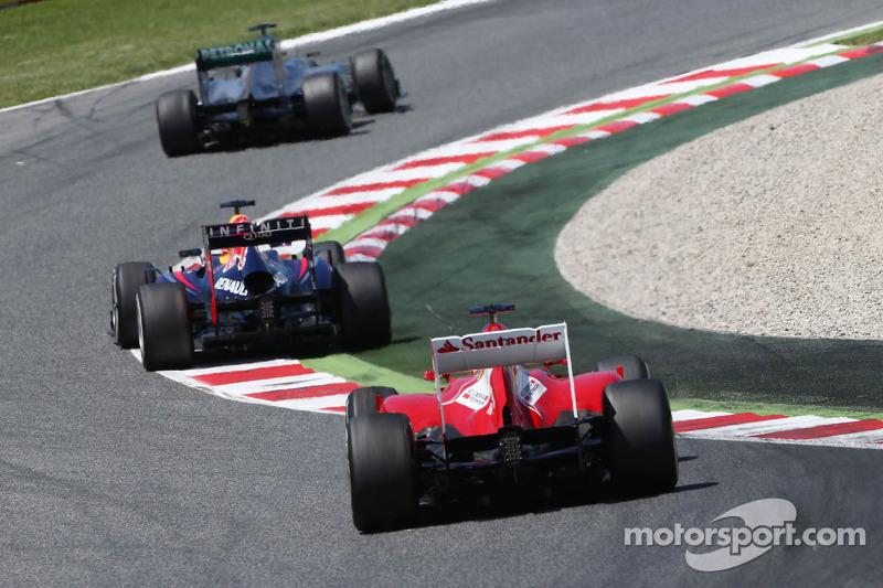 Nico Rosberg, Mercedes AMG F1 W04 ve Sebastian Vettel, Red Bull Racing RB9 ve Fernando Alonso, Ferra