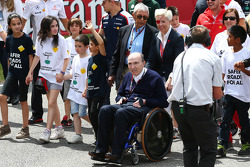 Frank Williams, dueño de Williams, es impulsado por María De Villota.