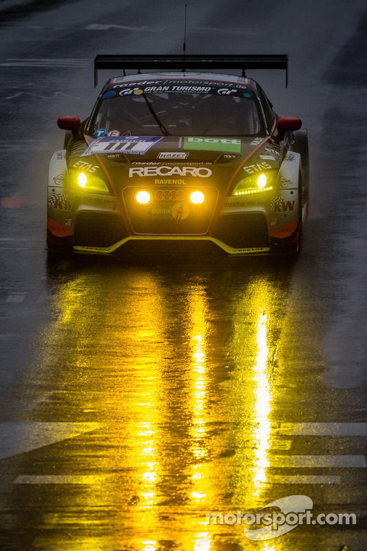 #111 Raeder Motorsport Audi TT RS (SP3T): Elmar Deegener, Jürgen Wohlfahrt