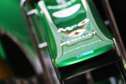 Caterham CT03; bico