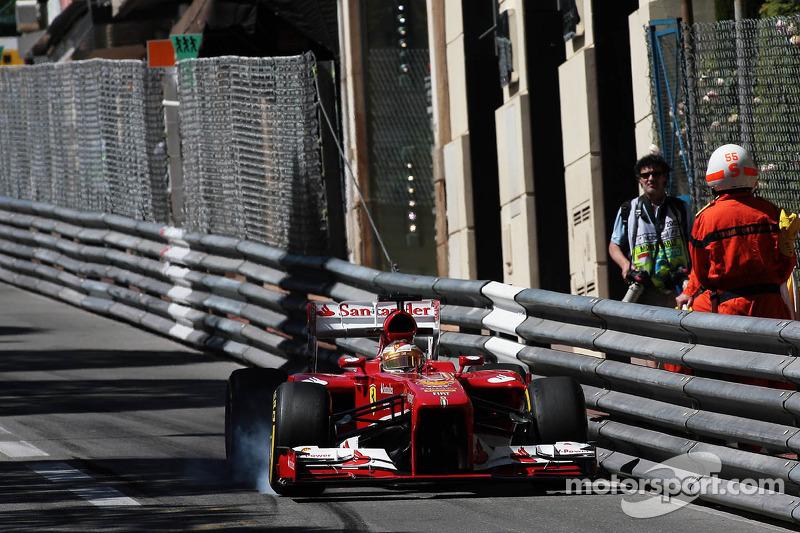 Fernando Alonso, Ferrari F138 locks up under braking