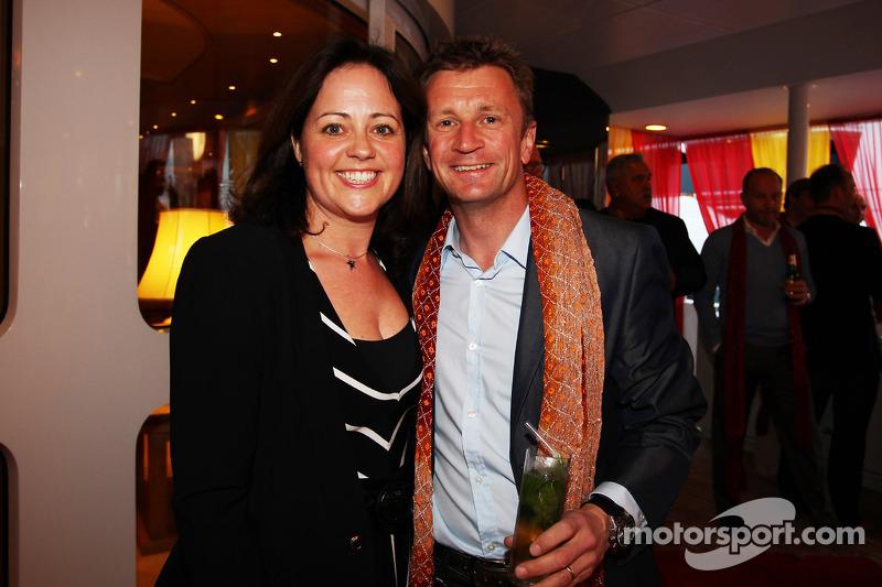 Allan McNish, met zijn vrouw Kelly McNish, bij de Signature F1 Monaco Party