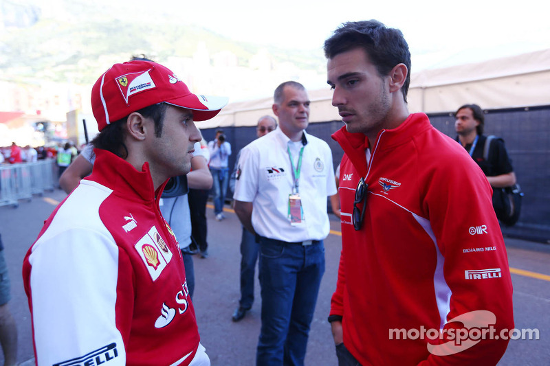 (L naar R): Felipe Massa, Ferrari met Jules Bianchi, Marussia F1 Team