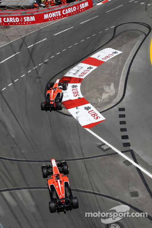 Max Chilton, Marussia F1 Team MR02 lidera Jules Bianchi, Marussia F1 Team MR02