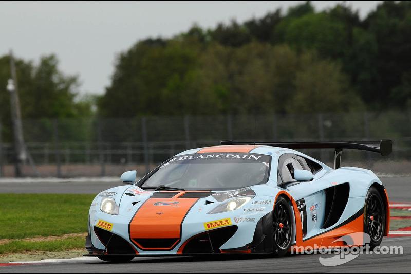 #9 Gulf Racing McLaren MP4-12C: Mike Wainwright, Andy Meyrick