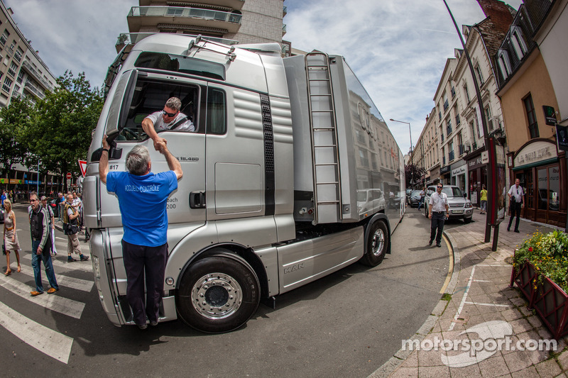 Audi Sport Team Joest transporter